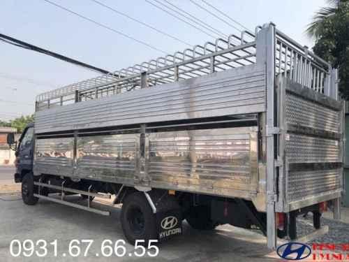 Xe Tải Hyundai HD120SL 8 Tấn Chở Gia Súc