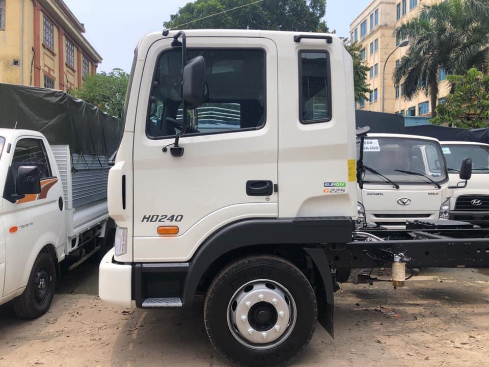 xe tải hyundai nhập khẩu hd240