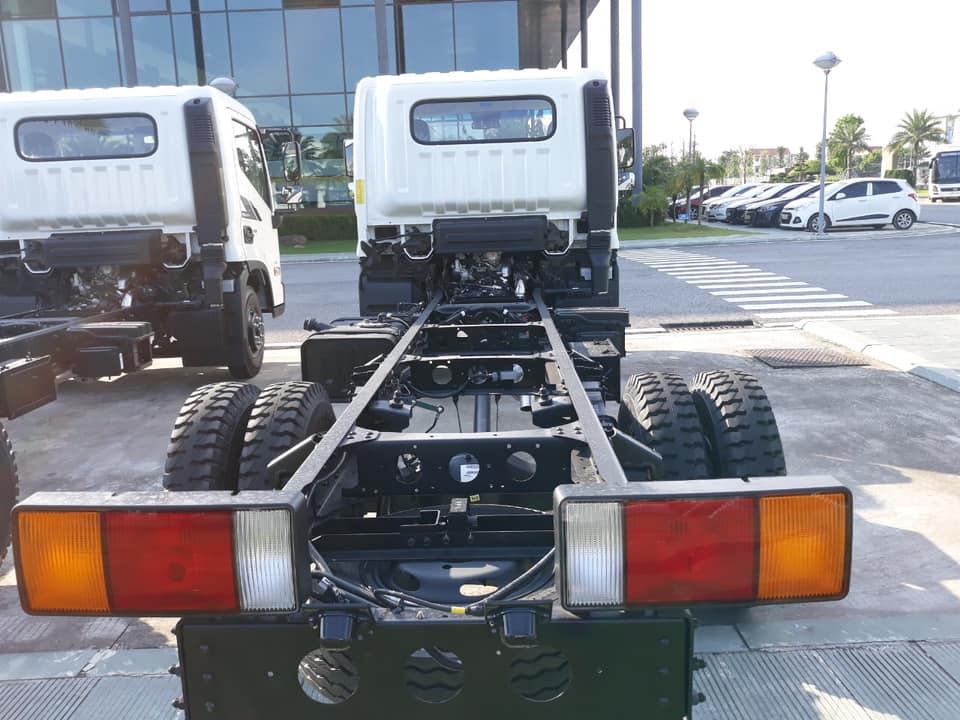 ngoại thất xe tải ex8 thùng kín